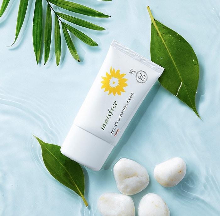 Đây là loại kem chống nắng dịu nhẹ có thể dùng hàng ngày, phù hợp với da dầu mụn.