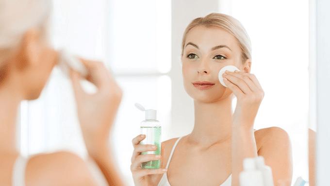 Theo dõi các bước chăm sóc da mặt hàng ngày