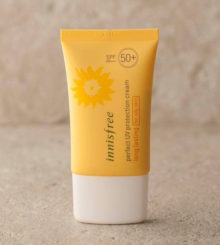 Kem chống nắng có khả năng kiềm dầu và bảo vệ cao.