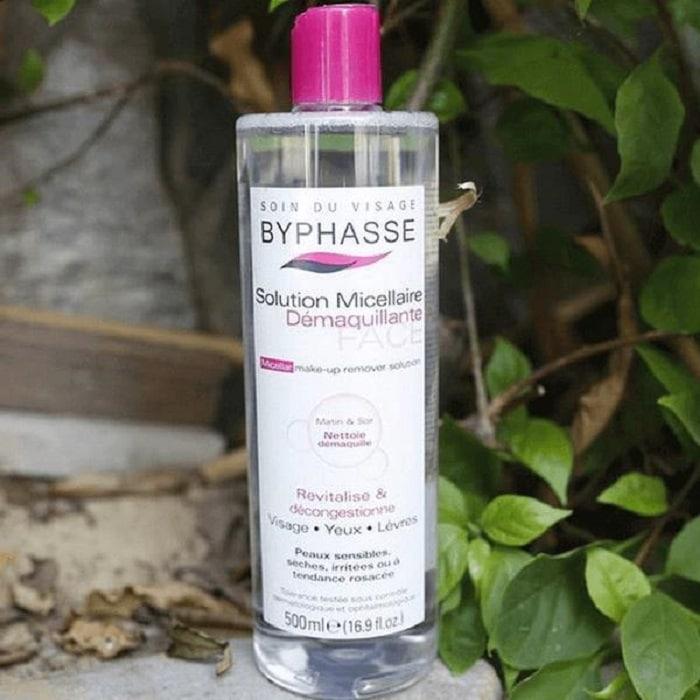 Nhược điểm lớn nhất của nước tẩy trang Byphasse là không phù hợp lắm đối với da có vấn đề về mụn.