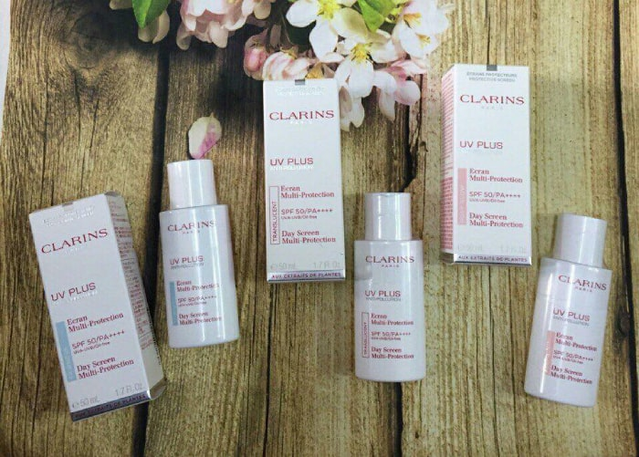 kem chống nắng clarins review