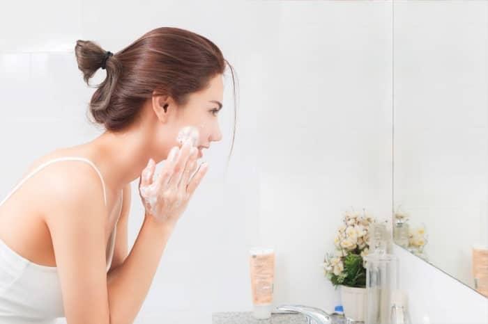 sữa rửa mặt dành cho da dầu mụn tốt nhất