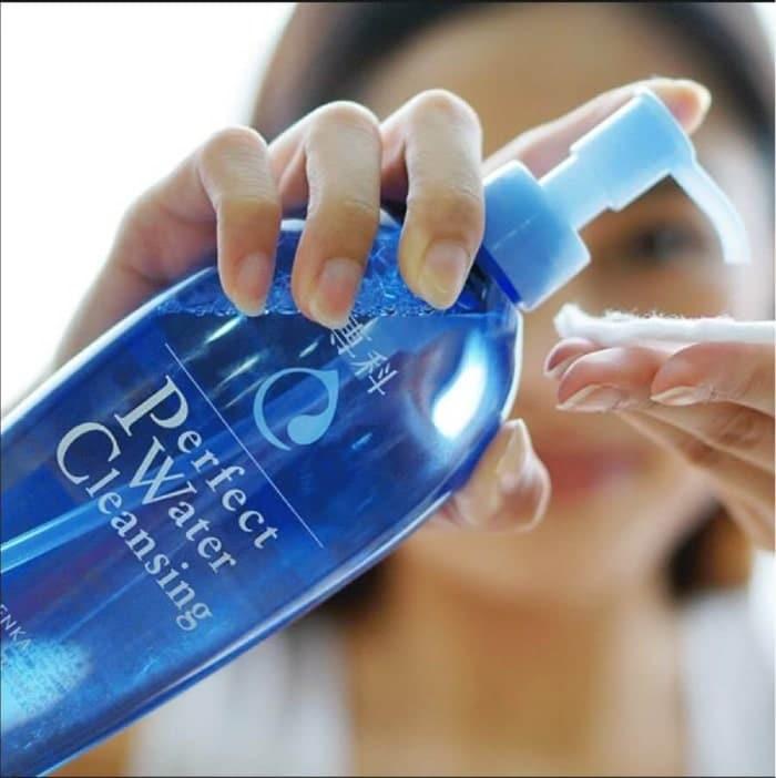 review nước tẩy trang senka anti shine