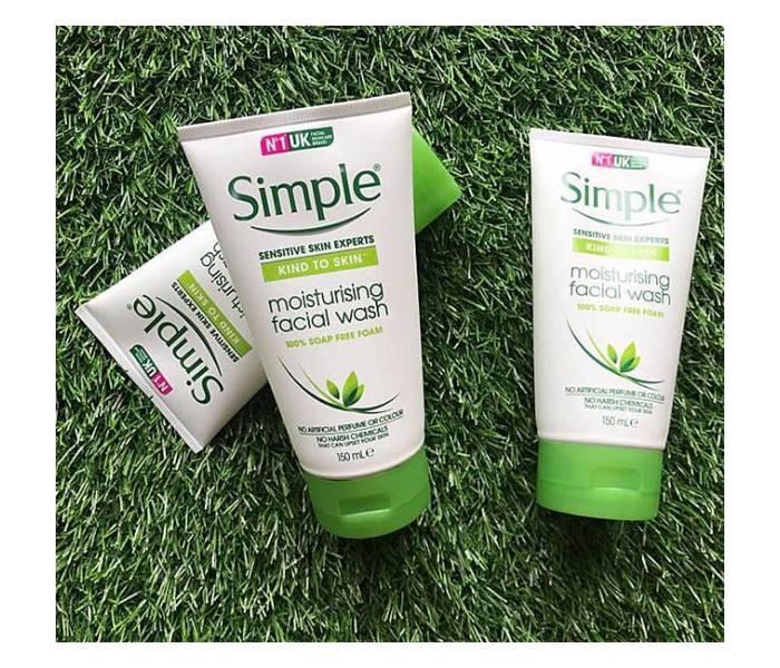 sữa rửa mặt simple sensitive skin experts